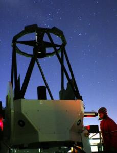 Kind am 80cm Spiegelteleskop